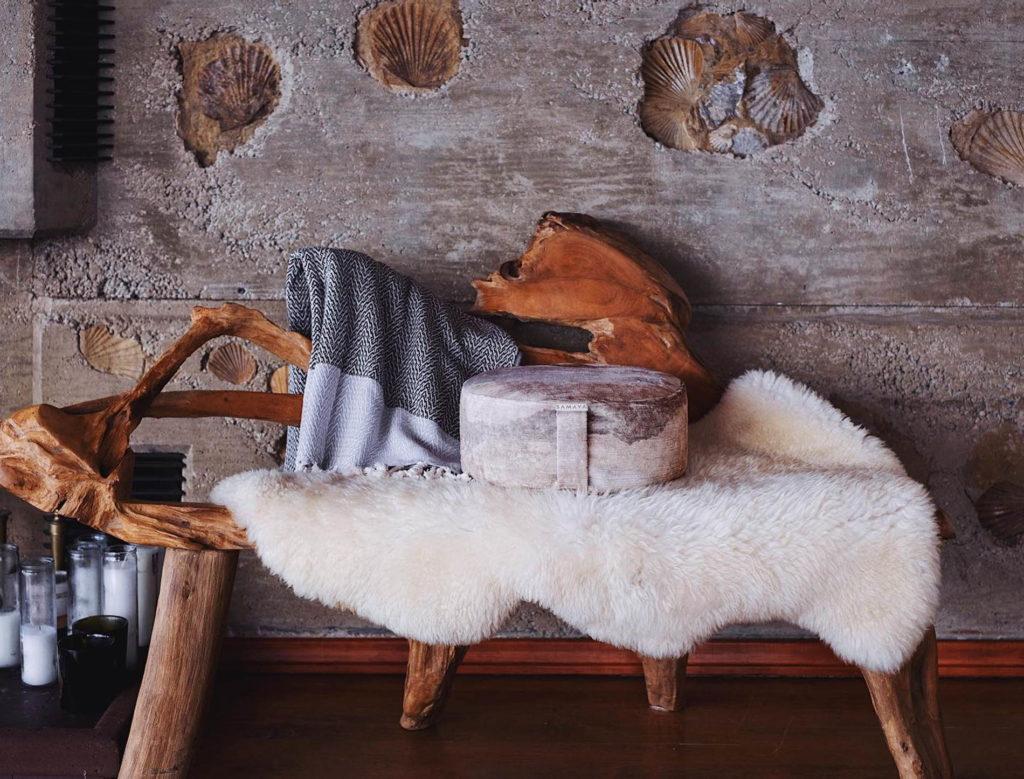 Samaya Luna Deluxe round cushion